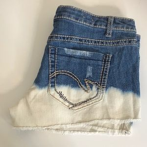 Mossimo  distressed bleached jean shorts SZ 9 jr